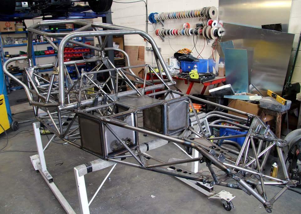 Roadrunner SR2 Chassis Naked